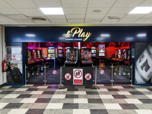 &PLAY GAMING AREA SIGNAGE